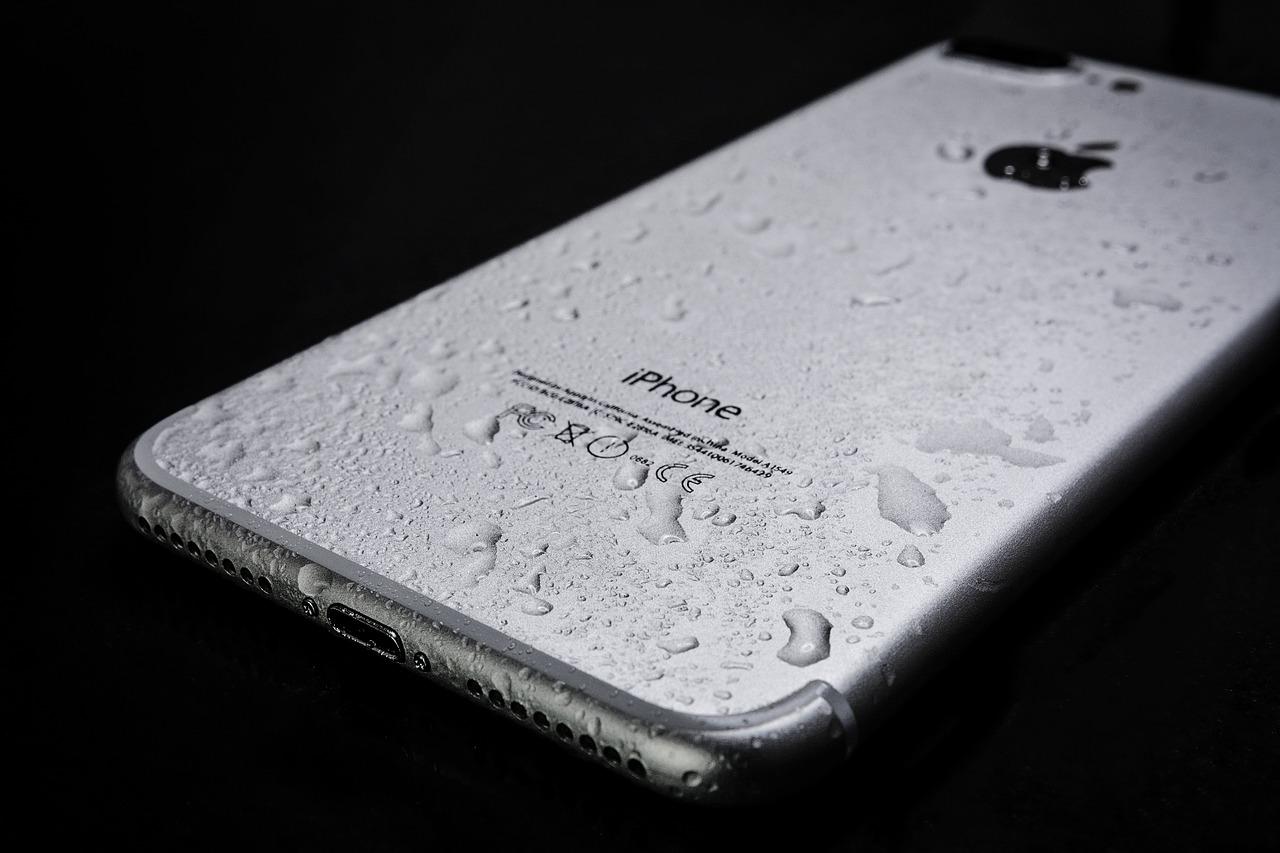 ¿que hacer si has mojado el móvil?